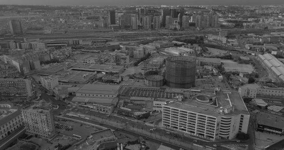Il centro direzionale di Napoli deserto visto dall'alto