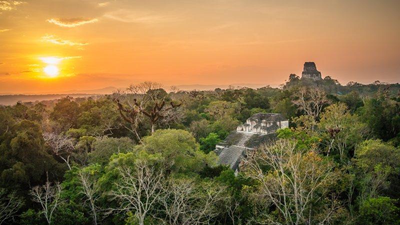 Troppi enigmi e misteri: siti archeologici, complessi megalitici e mura ciclopiche di cui non si conosce la storia. E i misteri che celano. La Città Maya di Tikal.