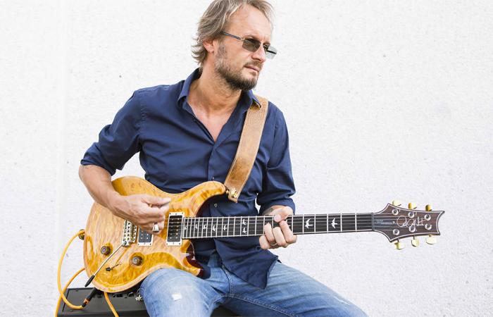 """Masterclass di Luca Colombo a Ravenna 17 e 18 ottobre. Luca Xolombo è uno dei maggiori chitarristi italiani. """"Luca Colombo Academy"""""""