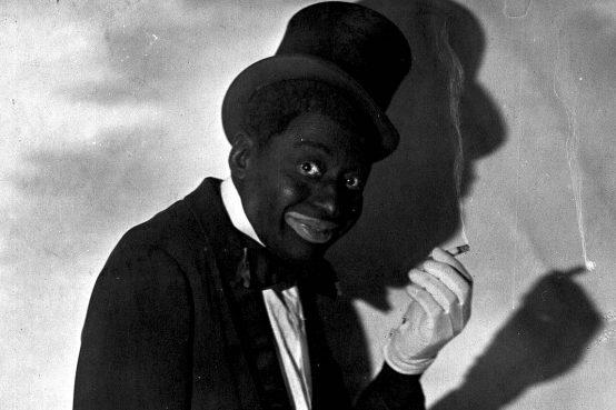 Praticare il blackface è ignoranza o razzismo?