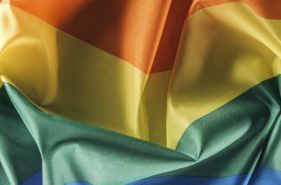 RAINBOW WASHING e comunità LGBT+: quando il fittizio supporto dei brand diventa un potenziale pericolo per la comunità LGBT+