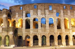 Zona gialla riaprono i musei: Tra i primi ad aprire i battenti il Bargello a Firenze e il Mann a Napoli, ma anche gli Uffizi e il Colosseo