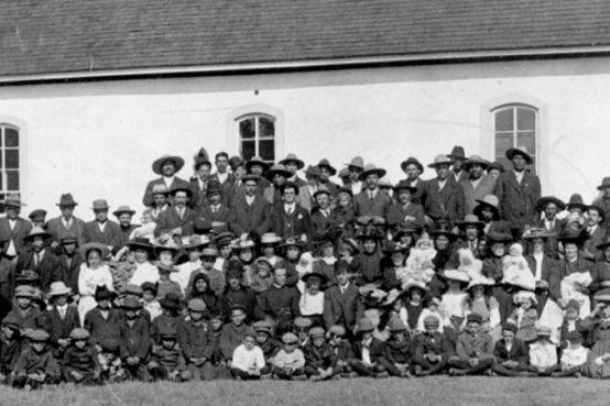 Nuove tombe senza nome ritrovate nei collegi per gli indigeni canadesi, ennesima prova di stragi della Chiesa negli Alcatraz in Canada
